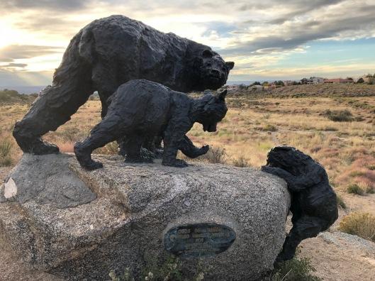 statue of bear